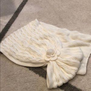 Ivory knit eternity scarf